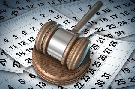 פטיש של שופט על דפי לוח שנה